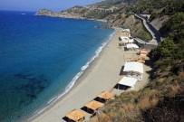 YAZ MEVSİMİ - Aysultan Kadınlar Plajı 40 Bin Kadını Ağırladı