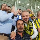 TEZAHÜRAT - Başkan Ertürk Ankaragücü Maçını 'Gecekondu' Grubu İle İzledi
