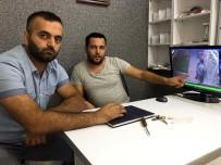 MASKELİ HIRSIZLAR - Demir Makasla İş Yerine Giren Cep Telefonu Hırsızları Kamerada