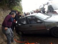 KıRıM - Akçakoca'da Trafik Kazası Açıklaması 3 Yaralı