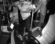 POLİS MERKEZİ - Antalya'da Özel Halk Otobüsüne Şoförüne Levyeyle Saldırı Anı Ve Otobüste Yaşanan Panik Kamerada