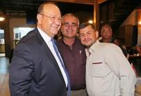 MESUT ÖZAKCAN - Başkan Özakcan, Muhtarlarla Yemekte Buluştu
