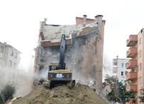 NİLÜFER - Bursa'da Hasarlı Apartman Yıkılıyor