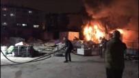 VATAN CADDESİ - Fatih'te Otoparkta Bulunan Konteyner Alev Alev Yandı