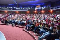 YÜKSEL ÜNAL - Hayatlarında Hiç Tiyatroya Gitmeyen Minikler Unutulmaz Gün Yaşadı