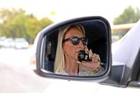POLİS MEMURU - Hız Sınırını Aşan Sürücülere Ceza, Ojeli Parmaklardan