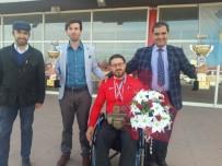 BİLEK GÜREŞİ - Keleşoğlu Milli Sporcuyu Çiçeklerle Karşıladı