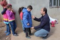 Şehit Yakınları Derneği'nden 70 Çocuğa Kışlık Elbise