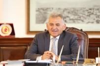 YARIŞ - Başkan Memduh Büyükkılıç, Gazeteciler Günü'nü Kutladı