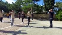 'Harmandalı' İle Öğrencileri Okula Bağladı