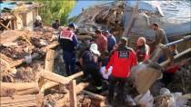 İZMIR ADLI TıP KURUMU - Manisa'da Kerpiç Evde Göçük Açıklaması 1 Ölü