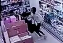 Genç kıza yumruklu saldırı