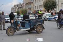 ALI AKSOY - Otomobilin Çarptığı Motosikletli Yaralandı