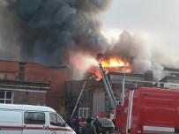 OLAĞANÜSTÜ HAL - Rusya'da Elektrik Santralinde Yangın Açıklaması 1 İtfaiyeci Öldü