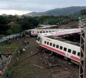 YOLCU TRENİ - Tayvan'da Tren Kazası Açıklaması 17 Ölü