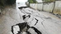 CELAL BAYAR - Zonguldak'ta Mahalle Yolu Çöktü