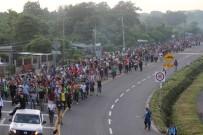 POLİS HELİKOPTERİ - ABD Sınırına Yaklaşan Guatemalalı Ve Honduraslı Göçmenlerin Sayısı 7 Bini Aştı