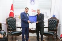 TÜRK BAYRAĞI - Başkan Gürkan, Şehit Fethi Sekin'in Ailesini Ağırladı