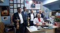 Başkan Yavaş'tan Dünya Şampiyonu Ümit Burunlular'a Ziyaret