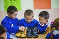 MEHMET ÖZCAN - Çektiği Fotoğraflarla Çocuklara Umut Oldu