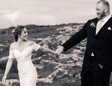 'Mountain' evlendi