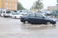 YAĞAN - Sağanak Yağış Vatandaşları Hazırlıksız Yakaladı