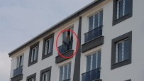 Samsun'da 5. Katın Penceresinde İntihar Girişimi