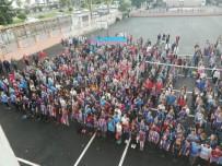 OKUL KIYAFETİ - Trabzon'da Bir Okulda Maç Günü