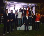 Üni Spor Fest'te Ödüller Sahiplerini Buldu