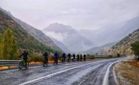 Yağmur Altında Bisiklet Turu