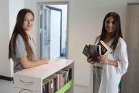 KİTAP OKUMA - Bayraklı Belediyesi'nde Ayaklı Kütüphane
