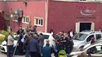 Bursa'da Motosikletli Polis Timiyle Taksinin Çarpışması