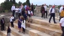 BÜYÜKELÇİLER - İngiltere Büyükelçisi Denizli'de İzmir Marşı'nı Okudu