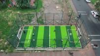 ÜMRANİYE BELEDİYESİ - Ümraniye'de Mini Futbol Sahalarıyla Çocuklar Doyasıya Eğleniyor