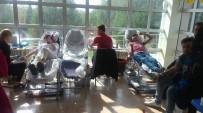 Üniversite Öğrencileri Kan Bağışında Bulundular