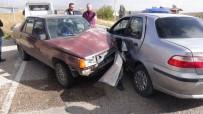 Aksaray'da İki Otomobil Çarpıştı Açıklaması 3'Ü Çocuk 9 Yaralı