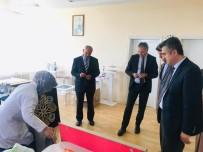 MUSTAFA AKıN - Kaymakam Mustafa Akın, Halı Yapımını İnceledi