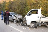 Otomobille Kamyonet Çarpıştı Açıklaması 1 Ölü 6 Yaralı