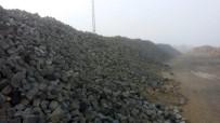 AKŞEHİR BELEDİYESİ - Akşehir'de Sökülen Granit Taşlar Tarihi Sokaklarda Değerlendiriliyor