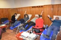 Dursunbey'de En Çok Kan Veren Vatandaşlara Madalya