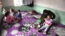 MUSTAFA ARSLAN - Engelli Kızının Eli Ayağı Oldu