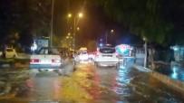 Hatay'da Uzun Çarşı Sular Altında Kaldı