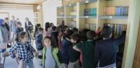 CENGIZ TOPEL - Millet Kıraathanesinde Oluşturulan Kütüphaneye Yoğun İlgi