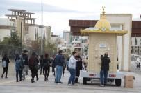 DAMAT İBRAHİM PAŞA - Nevşehir Belediyesi Üniversite Öğrencilerine Çorba İkram Etti