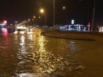 Nusaybin'de Sağanak Yağış Hayatı Olumsuz Etkiledi