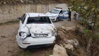 Otomobil Çarpıştıktan Sonra 40 Metre Yükseklikten Uçtu Açıklaması 1 Yaralı