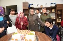 Özel Öğrencilere Sürpriz Doğum Gününü Kutlaması