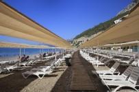 ÇOCUK PARKI - Antalya Kadınlar Plajı Rekor Tazeledi