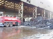 Demir Çelik Fabrikasındaki Hurda Yangını Söndürüldü