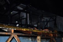 ELEKTRİK TRAFOSU - Düzce'de Çıkan Yangında Alevler Gökyüzüne Ulaştı